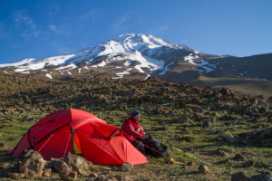 Stefan Pettersson at our first camp at Damavand. Photo Lars Larsson.